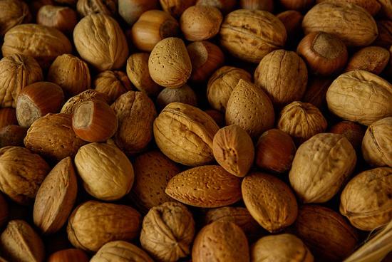 Ořechy jsou dobré pro naše zdraví, konzumujme je