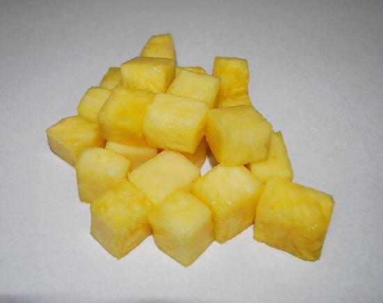 Ananasová buchta z plechovky