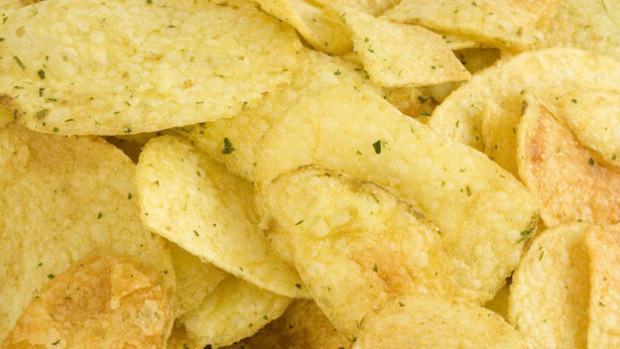Domácí bramborové chipsy