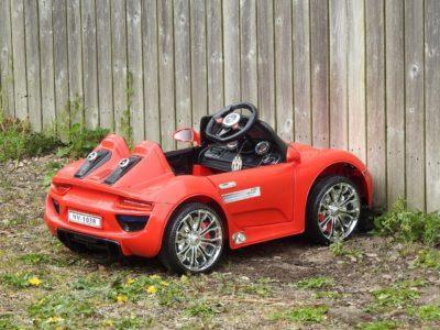 Elektrickým autíčkem uděláte radost každému dítěti
